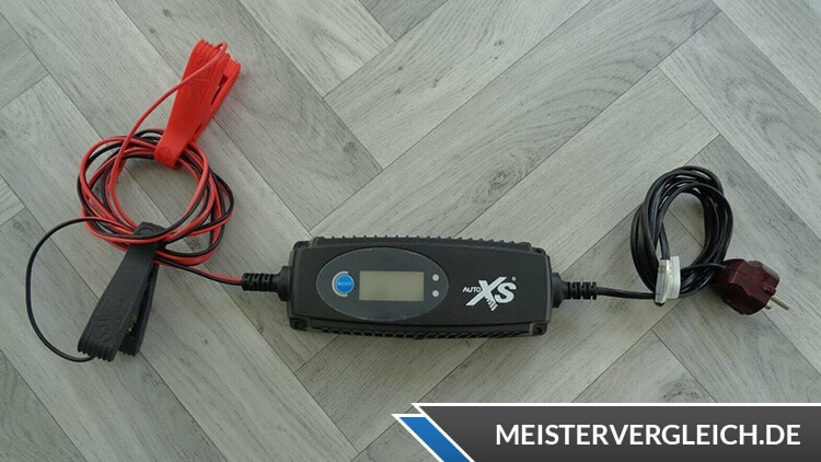 AUTO XS Batterieladegerät Test
